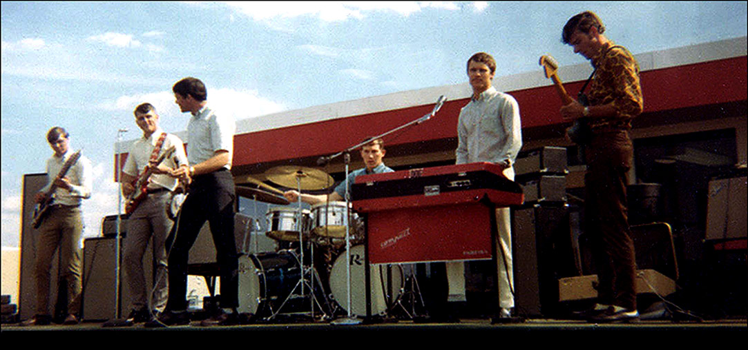 Skip Spoonts, Mike Rushing, Larry Drennan, Gene Gilstrap, Dennis Fehler, Allan Jansen - The Bad Seeds Band - Spring of 1968